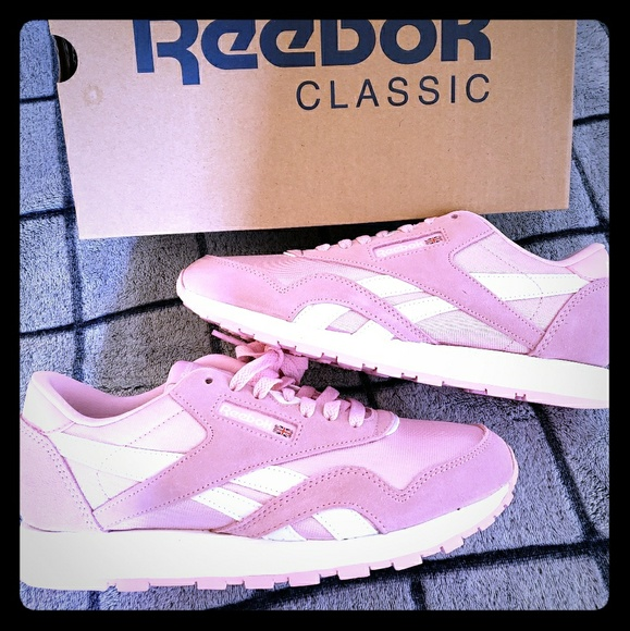 Reebok Classic Nylon Pink Sneakers NEW SZ 6 Kids. NWT. Converse 6d97a7ff5